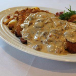 Schnitzel mit Champignonsauce